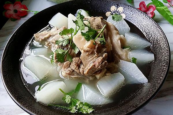 羊骨萝卜汤#盛年锦食·忆年味#的做法