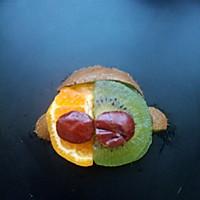 猴赛雷水果拼盘的做法图解3