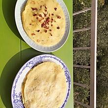 鸭蛋香葱煎饼and腊肠小煎饼~