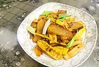 腊肉炒笋的做法