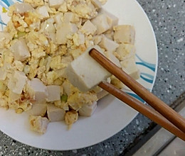 鸡蛋炒豆腐的做法