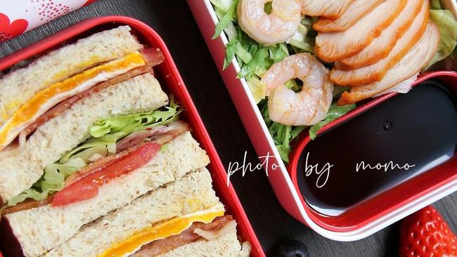 虾仁鸡胸肉沙拉&全麦培根三明治的做法