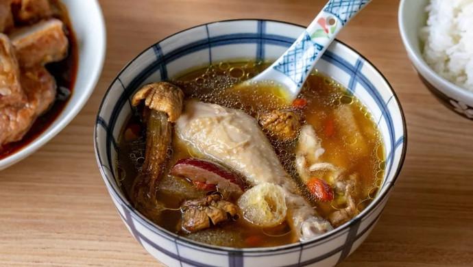 菌菇汽锅鸡|鲜美醇厚