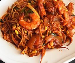 韩国辣酱海鲜面的做法