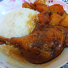 土豆炖鸭腿盖饭