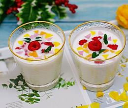 我的拿手好菜–自制缤纷水果酸奶的做法