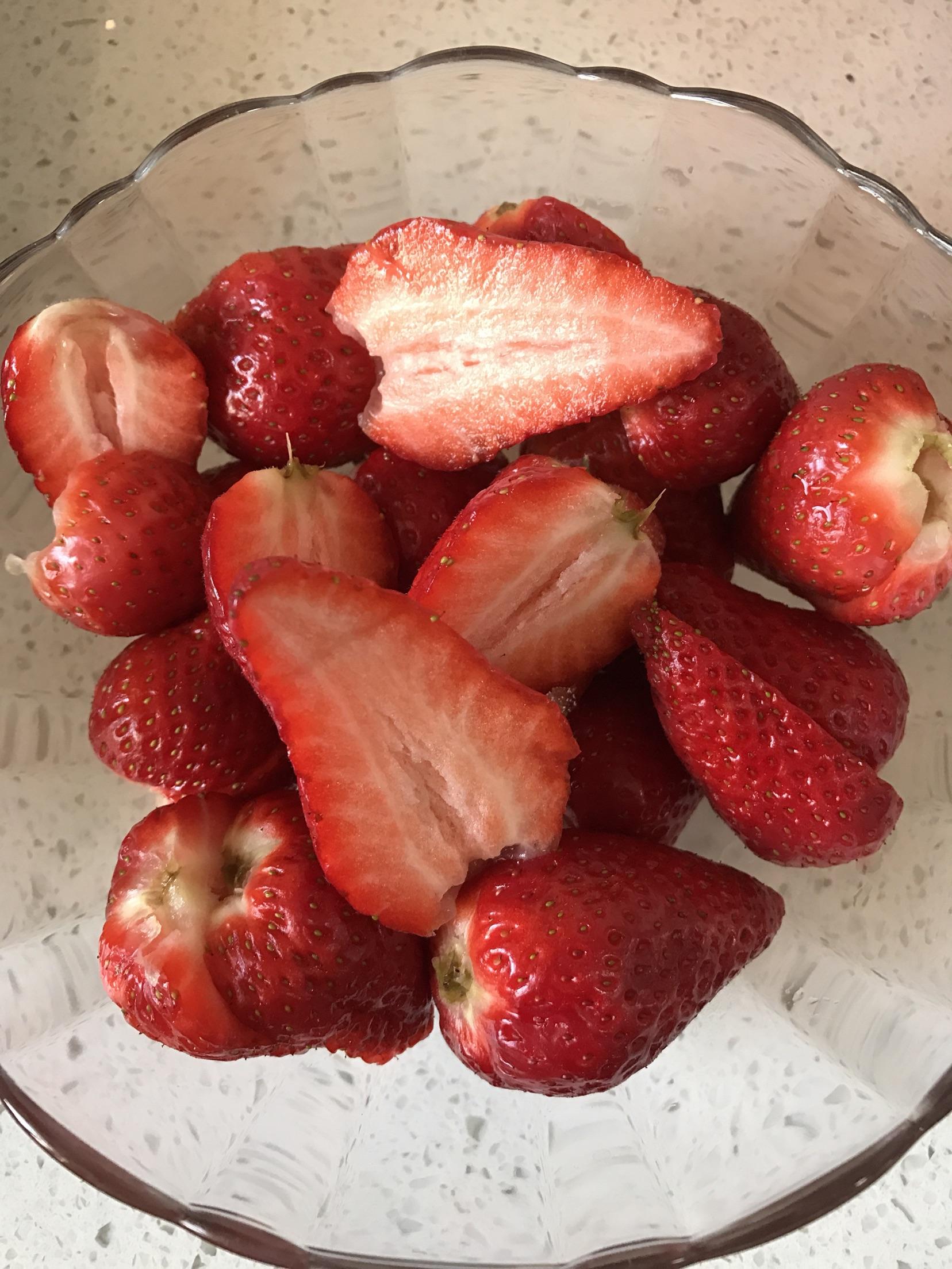 冰糖草莓的做法 菜谱 豆果美食