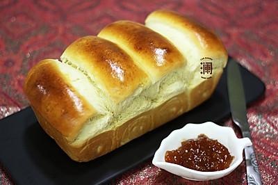 奶香味十足的吐司面包,面包机和面保证出膜
