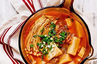 【泡菜汤】寒冬里香浓暖烘烘的辣汤是必备