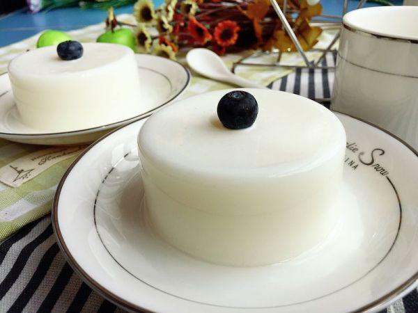 盛夏的美味——简单又可口的牛奶布丁的做法
