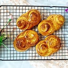 柔软香甜的椰蓉面包,只需一次发酵噢~