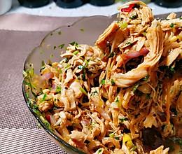 减脂必学菜:吃撑都不长肉肉的凉拌鸡丝的做法
