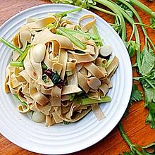 豆腐皮炒芹菜#洁柔食刻,纸为爱下厨#