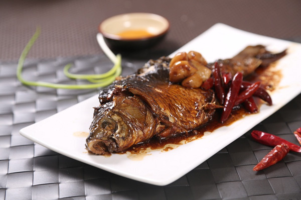 懒人版酥鲫鱼—捷赛年夜饭的做法