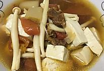 牛腩菌菇豆腐汤的做法