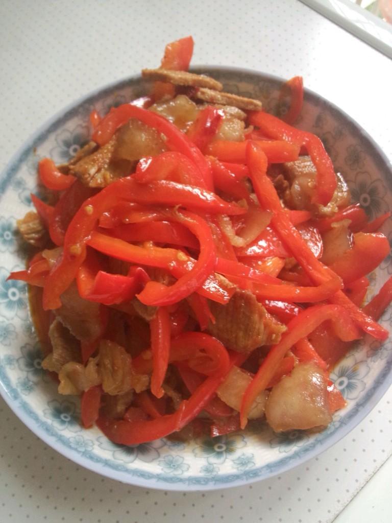 玉米排骨汤_红椒炒肉怎么做_红椒炒肉的做法_豆果美食