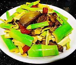 小笋炒腊肉的做法