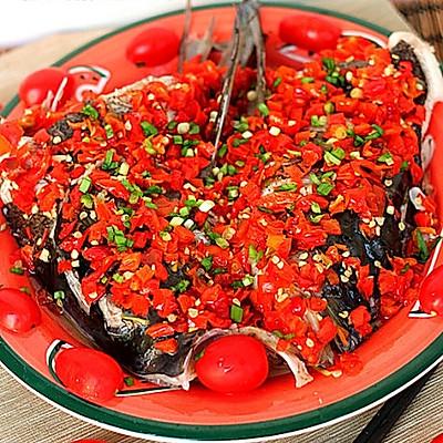 剁椒鱼头-红红火火过大年
