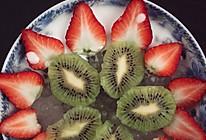 草莓猕猴桃酸奶西米露的做法
