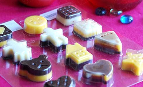 童趣可爱的双色巧克力的做法