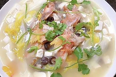 红狮子鱼炖汤