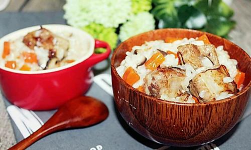 孩子瞬间就吃光光的美味,只用一个电饭锅就能搞定!排骨焖饭的做法
