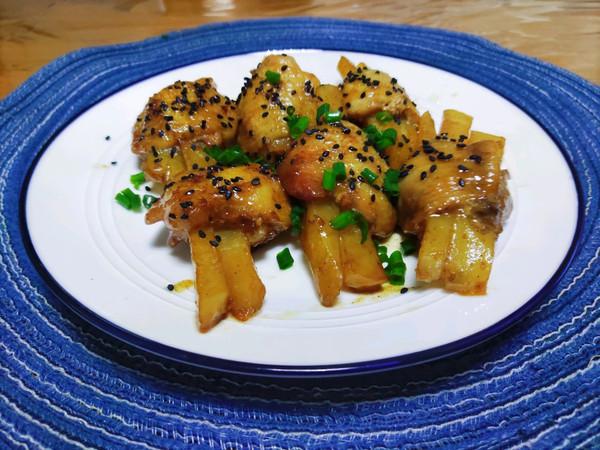 煎香鸡翅酿土豆的做法