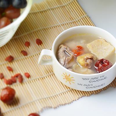 一碗甘甜的汤:榴莲壳炖土鸡