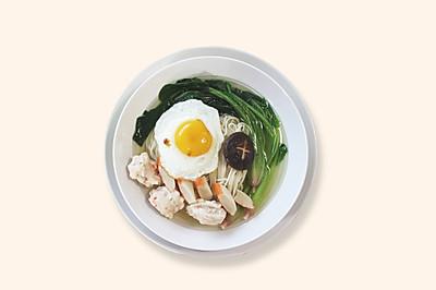 《爱妻美食》美极煎蛋配鸡汤面