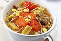 疏解牙龈肿痛提高免疫力:黄豆芽番茄豆腐排骨汤的做法