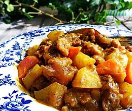 香浓咖喱土豆牛腩的做法
