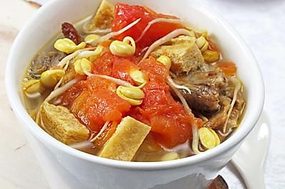 疏解牙齦腫痛提高免疫力:黃豆芽番茄豆腐排骨湯