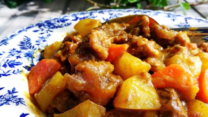 香浓咖喱土豆牛腩