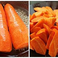 健脾又祛湿的薏米胡萝卜筒骨汤的做法图解2