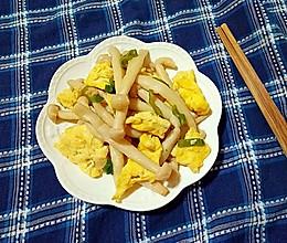 海鲜菇炒蛋的做法