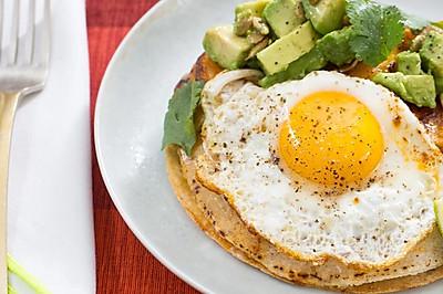 轻食·冬季太阳蛋南瓜牛油果奶酪玉米饼