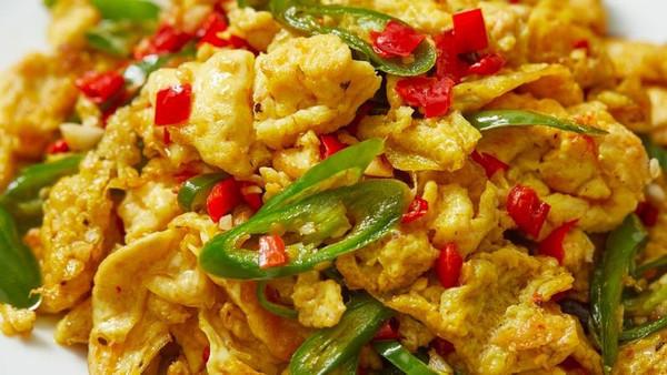 【剁椒炒鸡蛋】炒蛋好吃的关键,原来是调味!