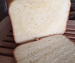 淡奶油吐司(面包机版)的做法