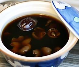 女性补气养血:红枣桂圆糖水的做法