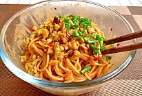 武汉热干面好吃有诀窍,关键是要调好酱料,简单美味,一分钟学会的做法