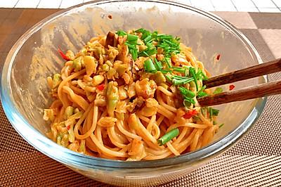 武汉热干面好吃有诀窍,关键是要调好酱料,简单美味,一分钟学会