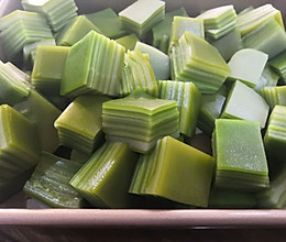 椰汁斑斓千层糕的做法