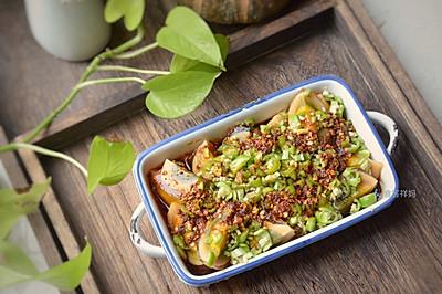快手宴客凉拌菜,颜值和味道担当,青椒皮蛋