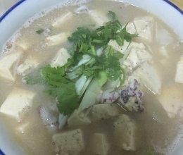 小乌鱼炖豆腐的做法