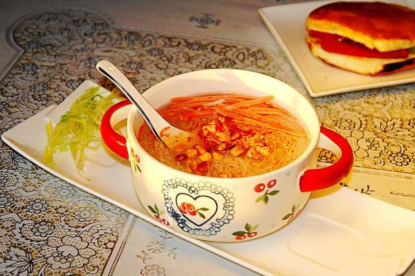 萝卜条粉丝汤的做法