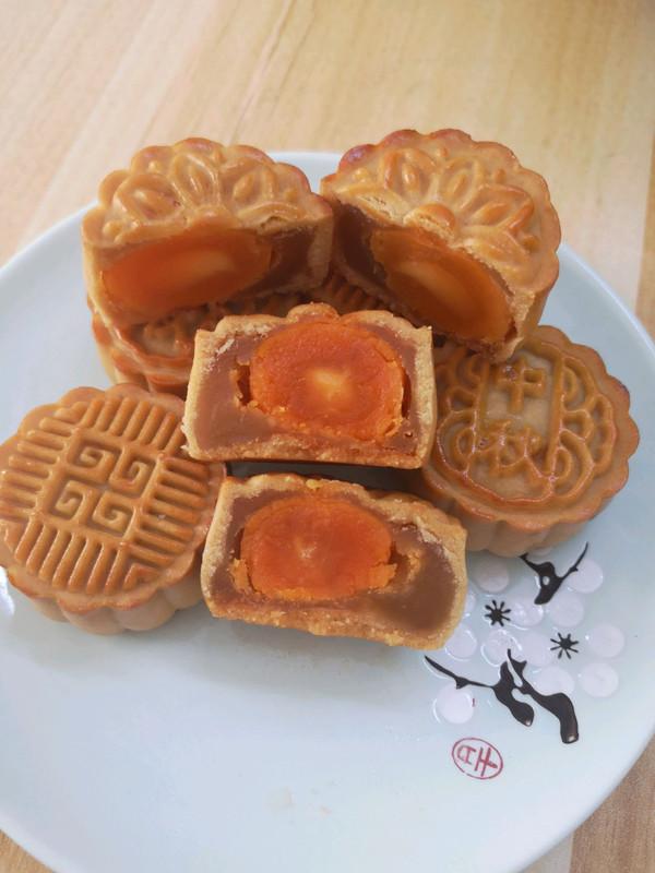 广式莲蓉蛋黄月饼表皮油亮有妙招