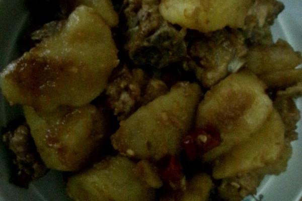 土豆排骨的做法