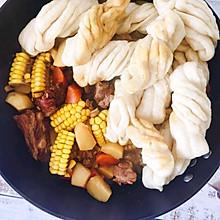 东北一锅出-土豆玉米排骨焖卷子