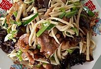 青椒茭白木耳炒肉丝的做法