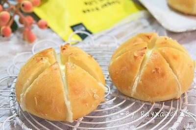 网红蒜香奶酪包(一次发酵)